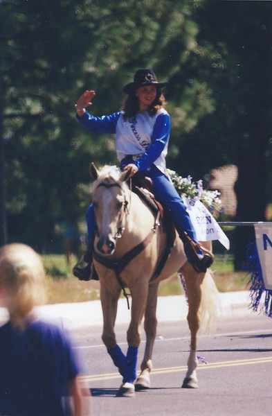 Deer Park Rodeo princess.jpeg