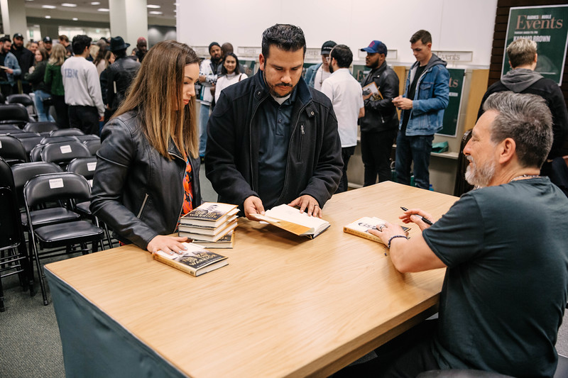 2019_2_28_TWOTW_BookSigning_SP_415.jpg