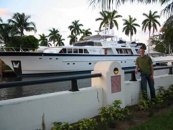 m_boat.jpg