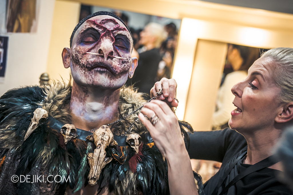 Halloween Horror Nights 7 Behind the Scenes: The Making of the Midnight Man, Iconic Character for HEX haunted house - Putting on the Accessories