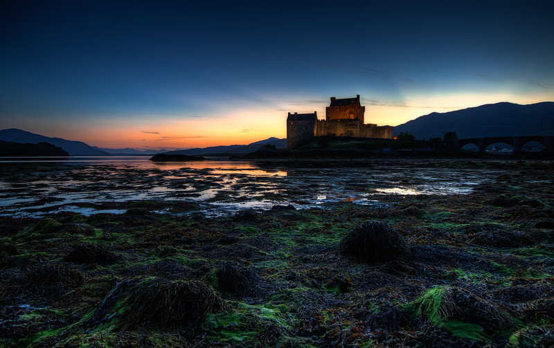 Sunset at Eilean Donan Castle.jpg