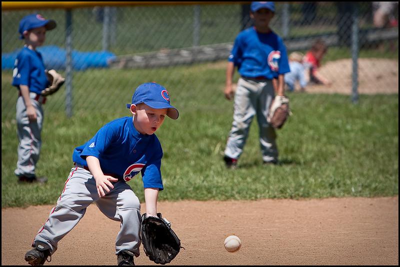 Colton Tee Ball April-25-2009