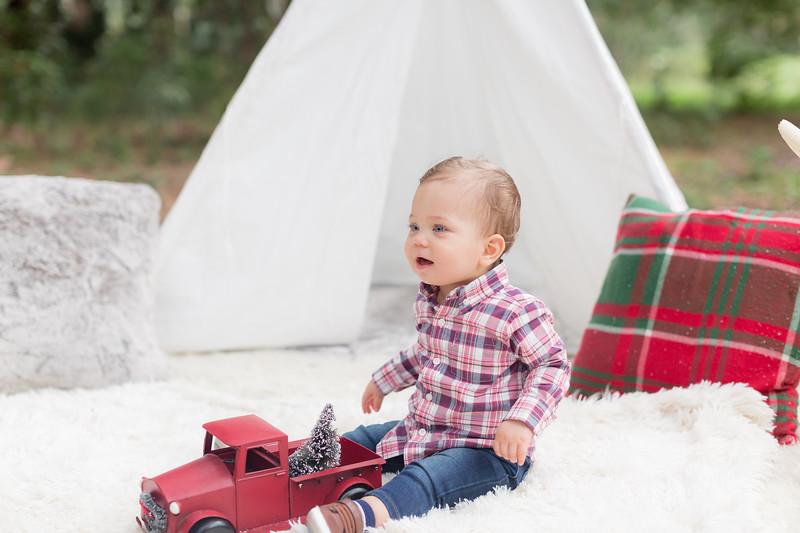 Holiday Minis- Acosta Family-26.jpg