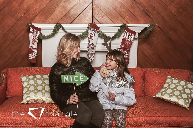 awkward-family-photo-booth-048.jpg
