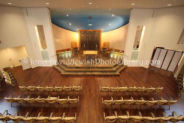 ENGLAND, London. Belsize Square Synagogue (3.2011)
