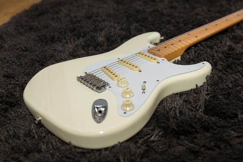 Fender Stratocaster - arctic white -  1988