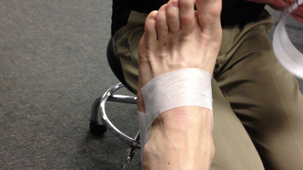 how to tape the left foot 7 6 2012