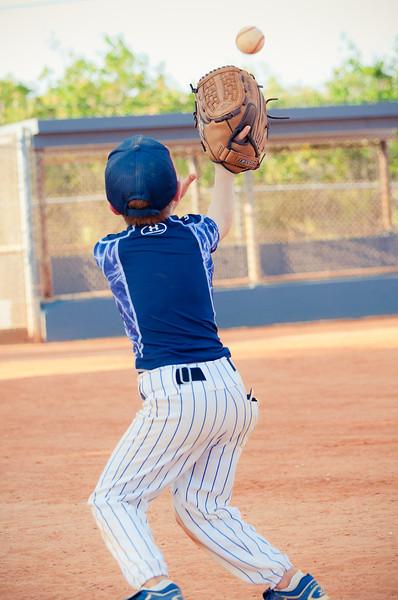 jack catching ball_DSC_2759-2.jpg