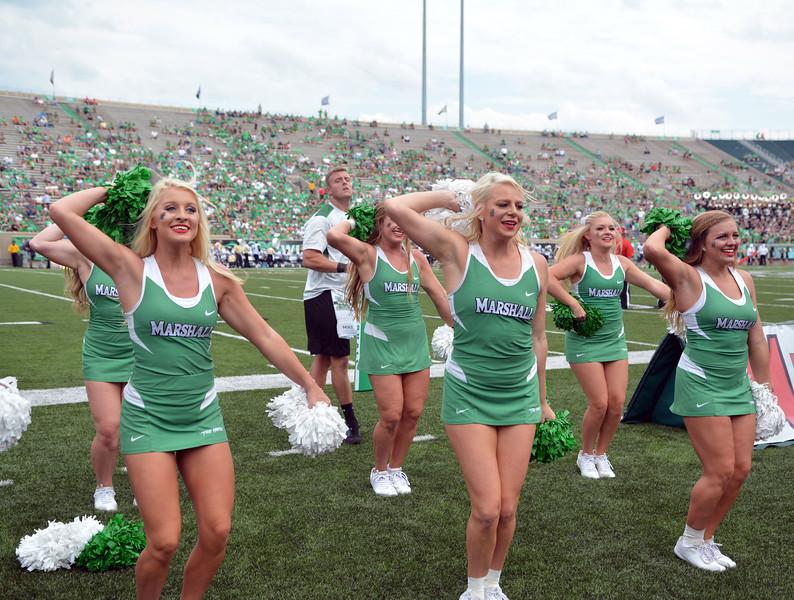 cheerleaders9183.jpg