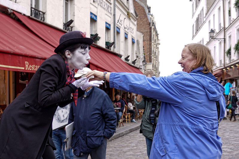Paris mime w Jill 0152.jpg