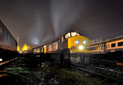 37261 and 37405 on 'The Festive Festival Express'. 30/11/13.