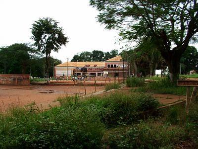 Casa do Pessoal - antigos campos de tenis em frente ao liceu