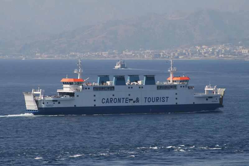 2009 - Double ended F/B ACCIARELLO sailing from Villa San Giovanni to Messina.