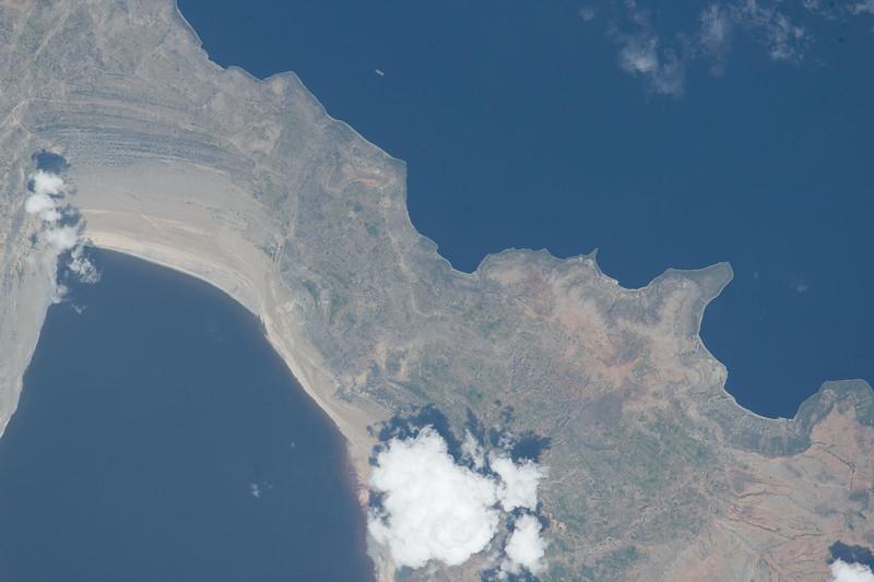 #EarthArt over #Africa today. #YearInSpace