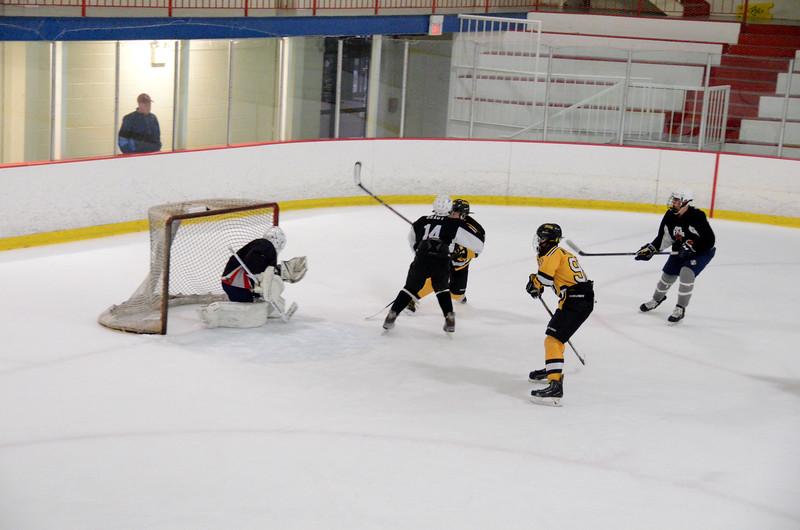 140913 Jr. Bruins vs. 495 Stars-191.JPG