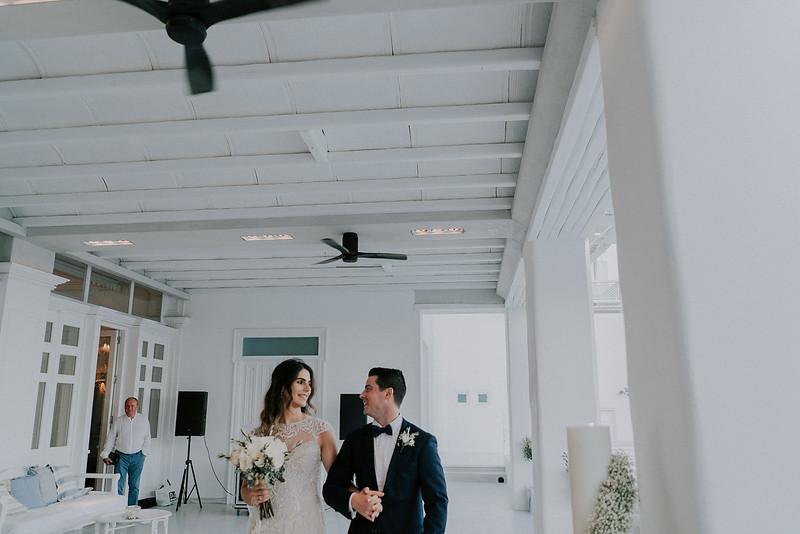 Tu-Nguyen-Destination-Wedding-Photographer-Mykonos-Katherine-Benji-422.jpg
