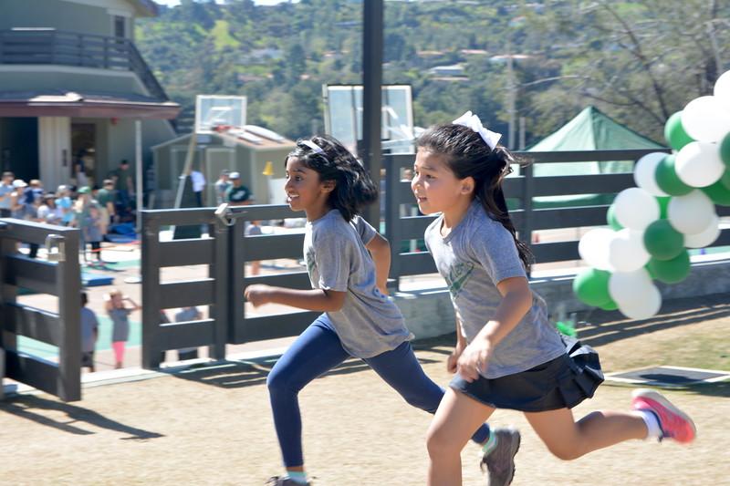 atwo girl runners copy.JPG