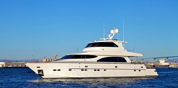 Cloud 8 Yacht