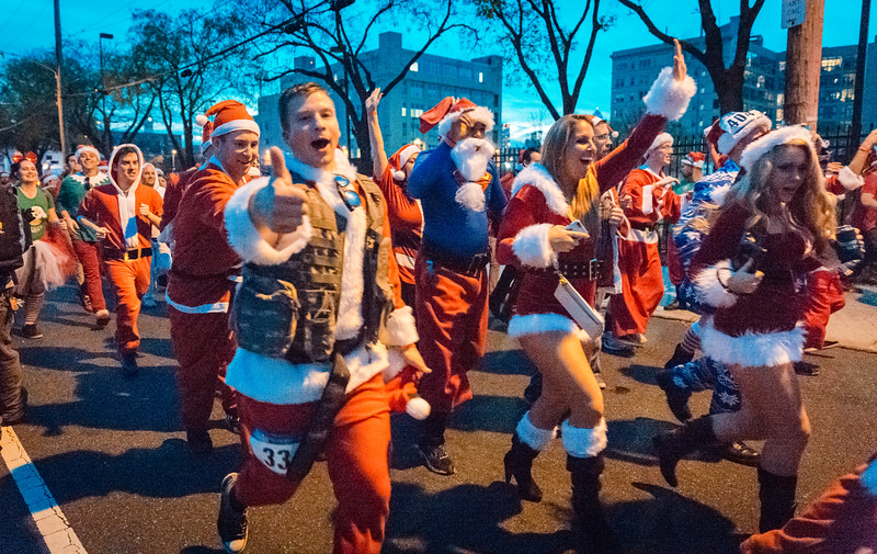 Running with Santa Philadelphia 12-12-2015-3374.jpg