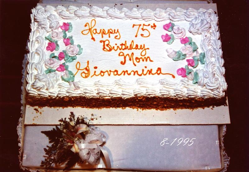 Aunt Gen's Cake 1995.jpg