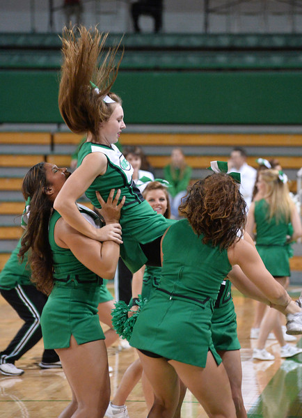 cheerleaders4802.jpg