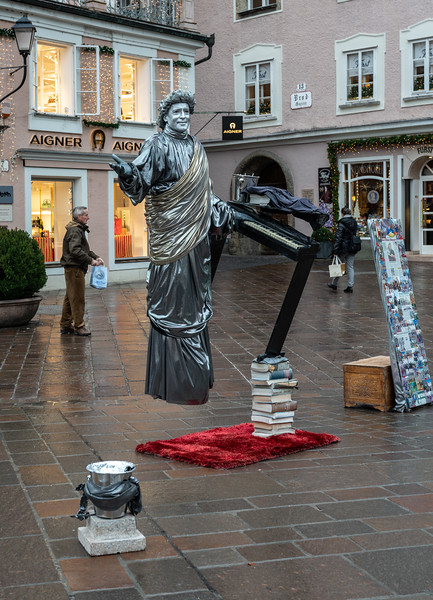 """The Silver Mozart"", a street performer"