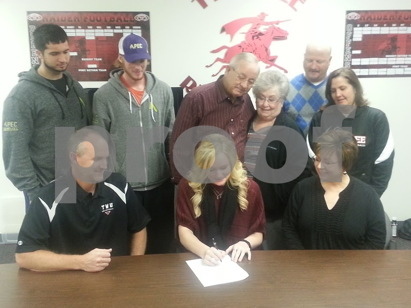 tmt sports mallory kuechle signs color