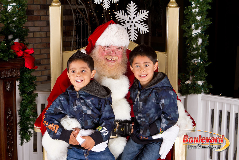 Santa Dec 8-122.jpg