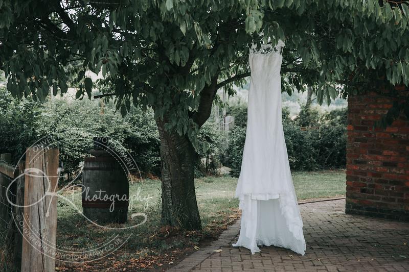 Sarah & Charles-Wedding-By-Oliver-Kershaw-Photography-100552.jpg