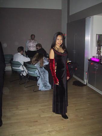 11-5-05 PEERS Vampire Ball 47