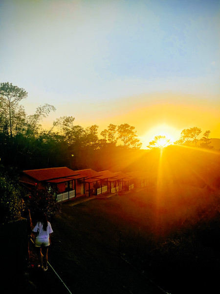vinales jazmine hotel at sunset-2.jpg