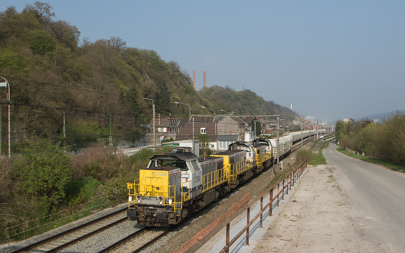 7784+7789+7866 bring the 47534 (Millingen Solvay/D - Yves-Gomezée) through Hermalle s/Huy.