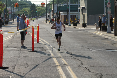 10K at 1.8 Mile Mark, Gallery 1 - 2014 Oak Apple Run