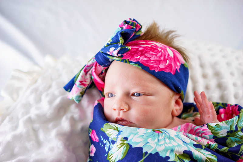Penelope_Claire_Holmes_11_Days_Old_July_8_2017-4881.jpg