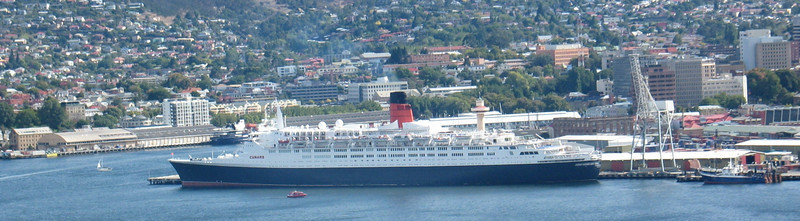 QE2 final visit to Hobart 27022008