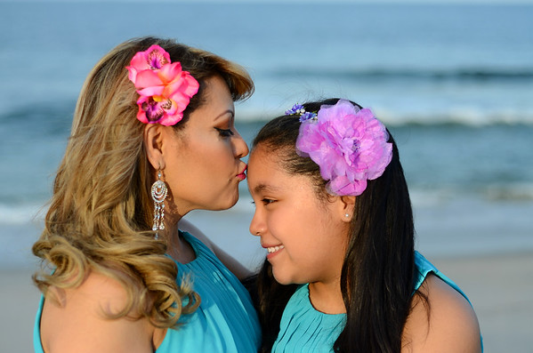 Mother/Daughter Beach Session - Yoli and Val