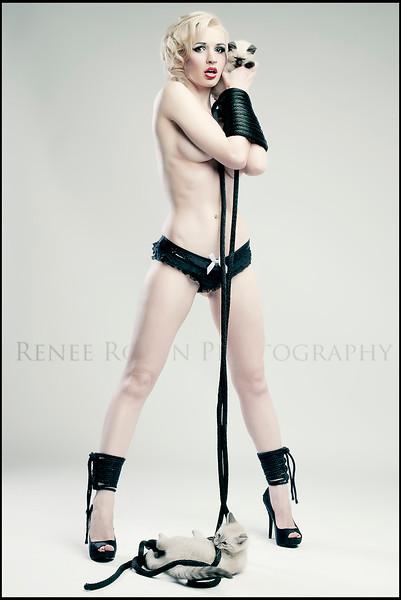 Joanie-kitten-rope-bondage.jpg