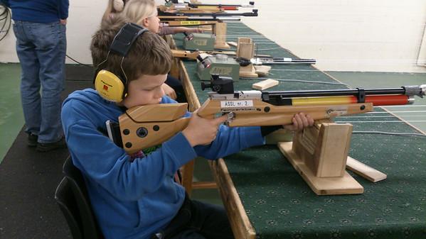 Luftgeværskyting med Juniorgruppen