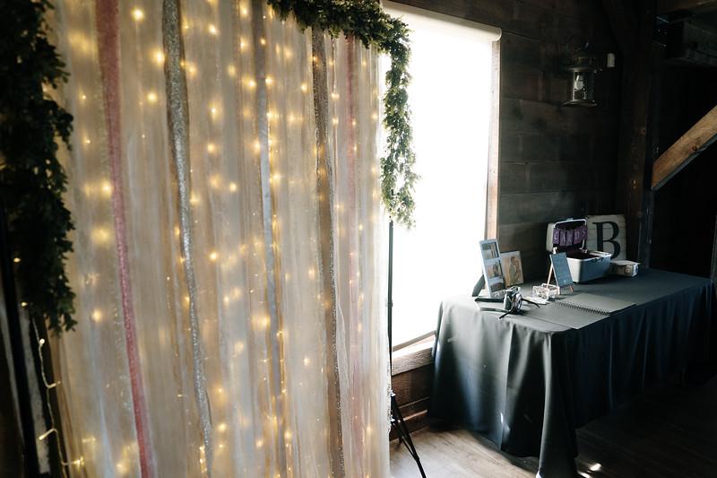 rustic_ohio__fall_barn_wedding-149.jpg