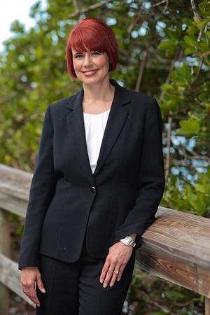 Anne Chakos