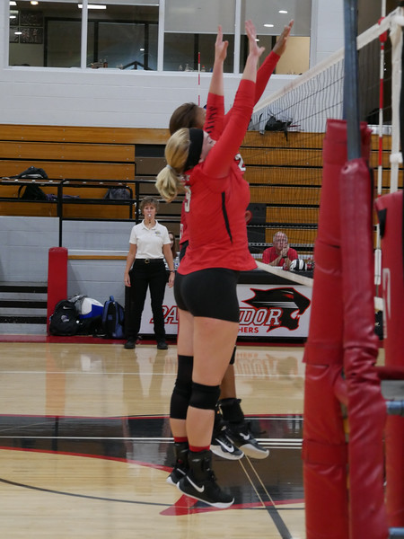2018_9_17_Varsity VB v Warren Central_ - 18.jpg