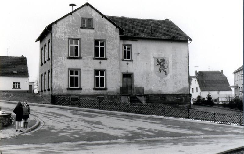 Oberes Altes Schulhaus erbaut 1870 (4).jpg