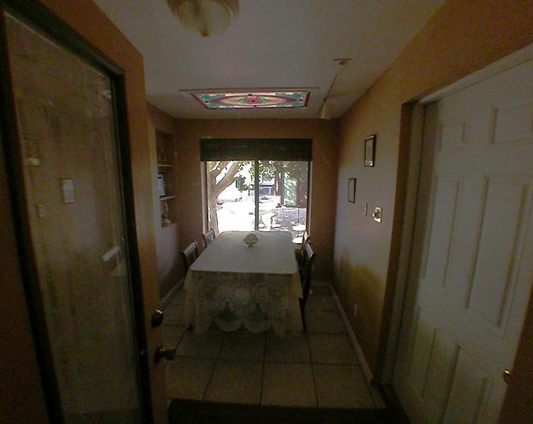 dining_entry.jpg