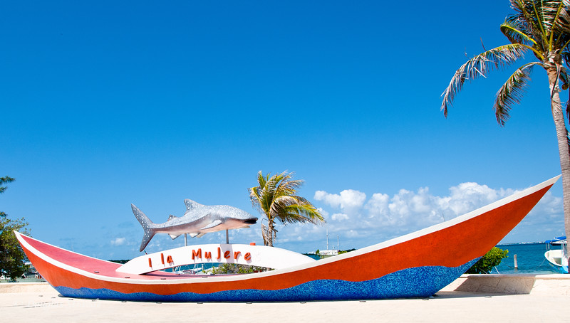 Isla Mujeres .... a couple of missing letters