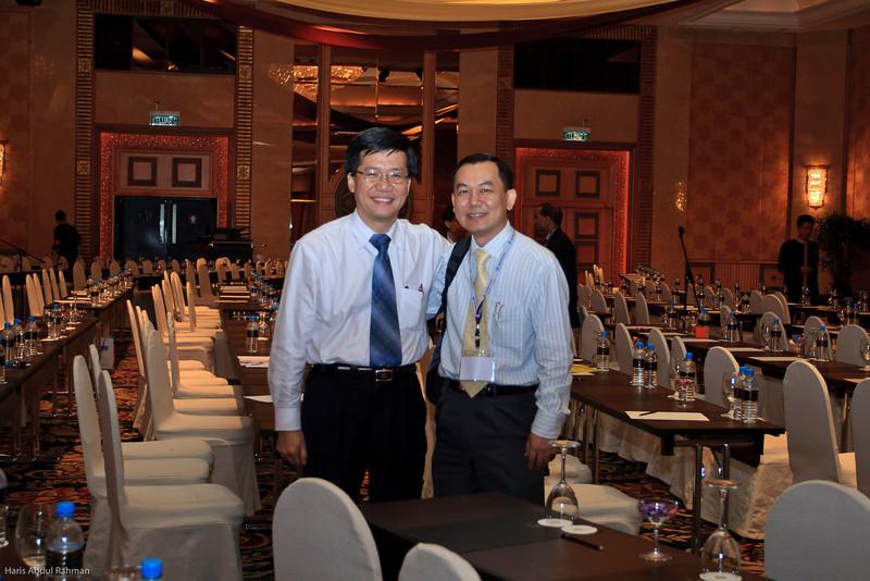 Dr Ng Soo Chin and Mr WF Lam