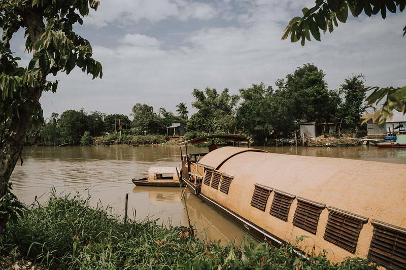 Tu Nguyen Wedding Mekong River Elopement Can Tho  - Southern Vietnam 110.jpg