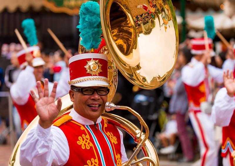 hong-kong-disneyland-marching-band.jpg