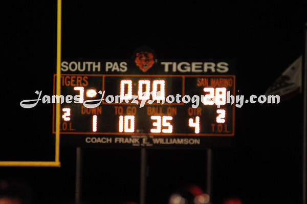 2011 Homecoming Assembly + Game 11-5
