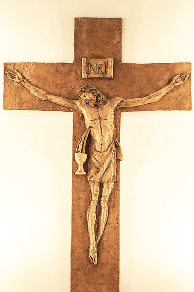 20190109 Altar and Crucifix-5630-2 edited.jpg