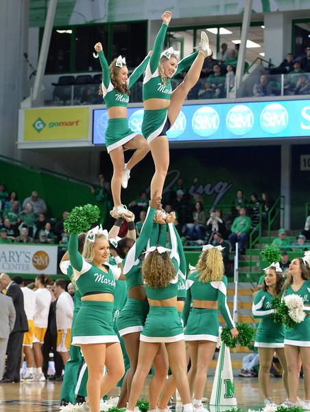 cheerleaders8775.jpg